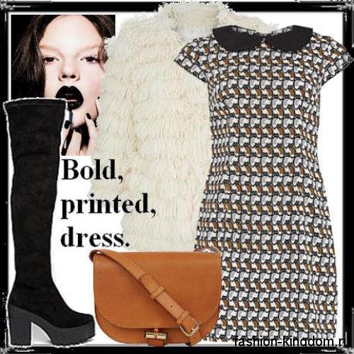 Зимние сапоги-чулки черного цвета на широком каблуке гармонируют с платьем-мини бело-коричневого тона в клетку и короткой белой шубкой.