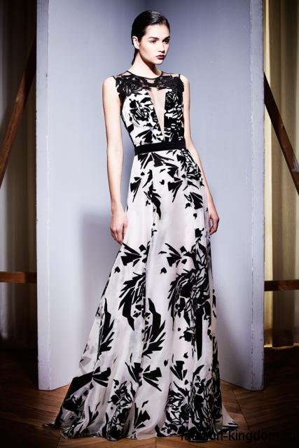Длинное платье черно-белого тона с абстрактным принтом, с акцентом на талии и без рукавов модного сезона осень-зима 2015-2016 от Zuhair Murad.