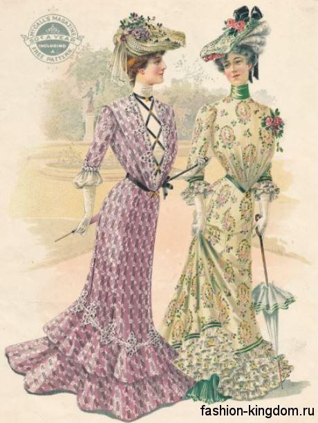 Длинные платья с акцентом на талии в моде 1900, пастельных оттенков, с рукавами три четверти, декорированные кружевом, в тандеме со шляпами и ажурными зонтами.