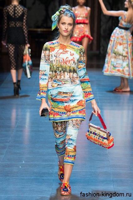 Туника с длинными рукавами и леггинсы с ярким рисунком из коллекции весна-лето 2016 от Dolce & Gabbana.