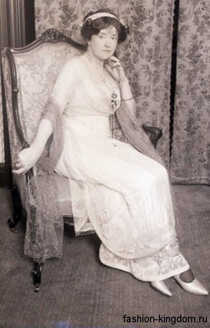 Модное платье и аксессуары модных 1910 годов