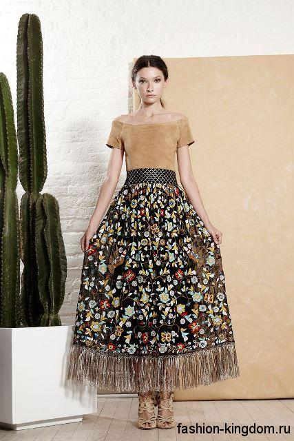 Юбка макси черного тона с цветочным принтом, декорированная бахромой и широким поясом из коллекции Alice + Olivia.
