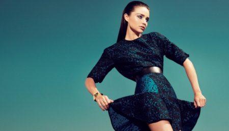 С чем носить тёплые платья? 30 фото стильных луков.